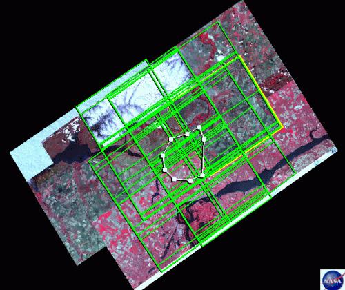 Рис. 281. Выбор всех сцен в определенной зоне с помощью просмотрщика системы поиска GloVis