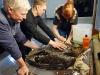 Отмывание орлана-белохвоста от мазута