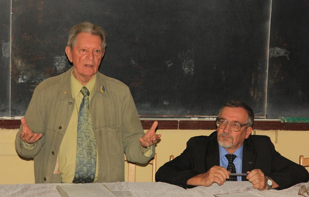 Главные РГССовцы: В.М. Галушин (слева) и В.П. Белик (справа). Фото Р. Бекмансурова