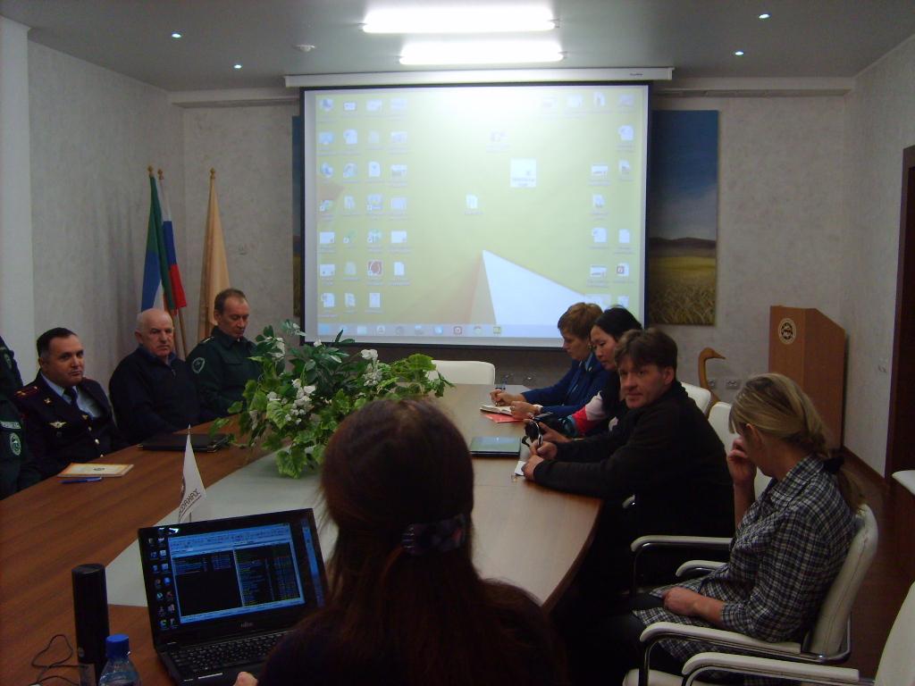 Участники совещания. Фото Пресс-службы заповедника Хакасский