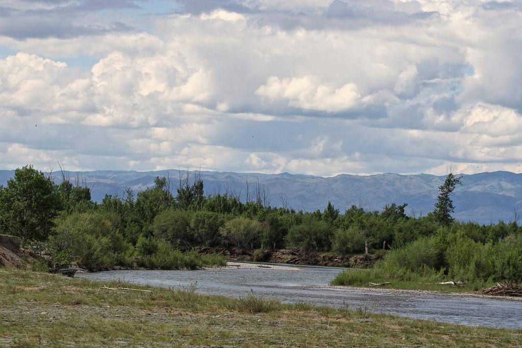 Tes-Khem River