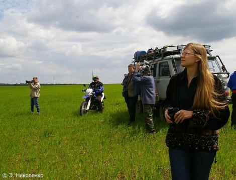 Елена Шнайдер и группа волонтёров. Фото: Эльвира Николенко